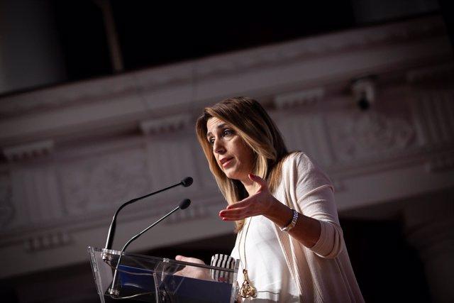 En Sevilla, la presidenta de la Junta de Andalucía, Susana Díaz, participa en un