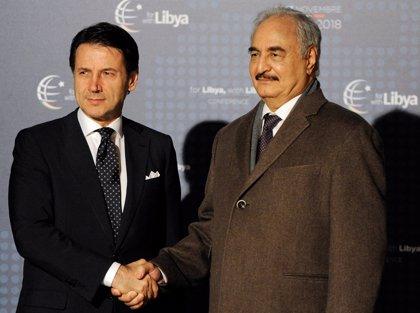 El general Jalifa Haftar participará en reuniones de alto nivel en Palermo pero no en la conferencia sobre Libia