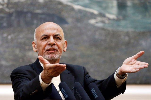Ashraf Ghani en una rueda de prensa en Kabul