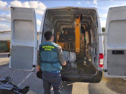 Recuperada en Peraleda de la Mata (Cáceres) una retroexcavadora sustraída en Torrejón de Ardoz