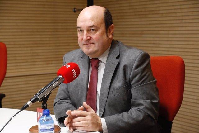 Andoni Ortuzar en RNE