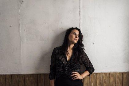 Alba Carmona estrena su primer videoclip en solitario: A tiempo