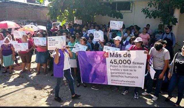 Protesta en contra del juicio de Imelda Cortez