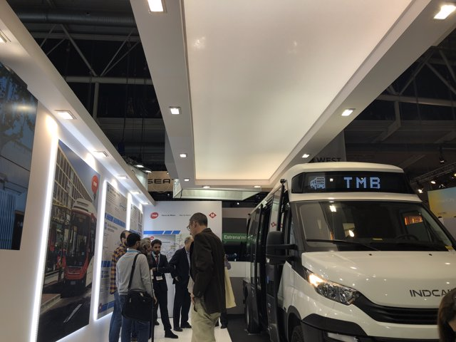 Barcelona presenta un minibús elèctric amb autonomia de 16 hores
