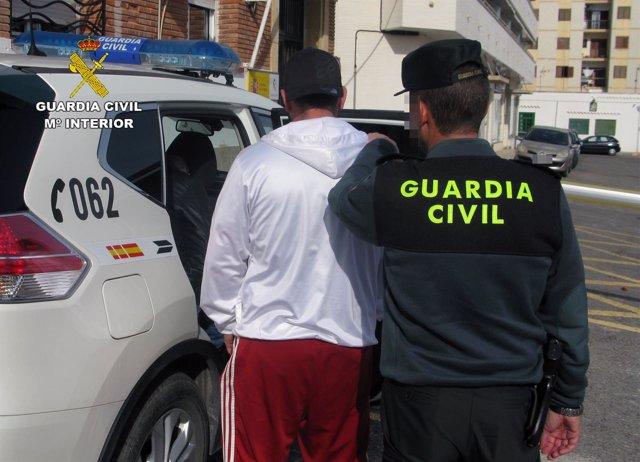 Guardia Civil detiene in fraganti a dos hermanos mientras robaban en viviendas
