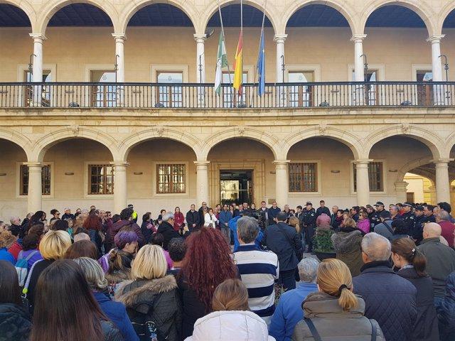 Concentración silenciosa por la muerte de tres trabajadores en Guadix