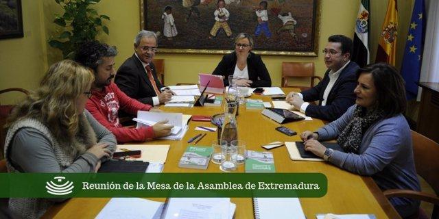 Reunión de la Mesa de la Asamblea de Extremadura este martes