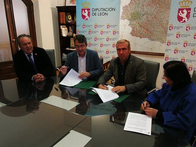 Reunión en la Diputación de León con el Ayuntamiento de Jiménez de Jamuz. 13-11