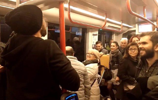 Poesía en el tranvía de Zaragoza