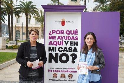La campaña contra la violencia de género 'No seas emoticono. Observa, Escucha, Cuéntalo' llega a Cartagena