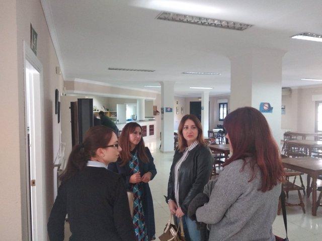 La diputada provincial Isabel Armario visita El Gastor