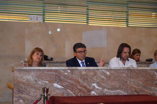 Mabel Hernández junto a sus compañeros Miguel Cazorla y Rafael Burgos