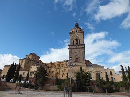 Funeral en la catedral de Guadix por los tres fallecidos en el accidente de la pirotecnia