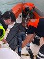 Recuperado el decimonoveno cadáver de la patera naufragada hace ocho días en Los Caños (Cádiz)