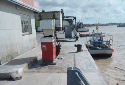 La Junta analiza con la Cofradía de Pescadores de Bonanza las necesidades del sector en el puerto de Sanlúcar (Cádiz)