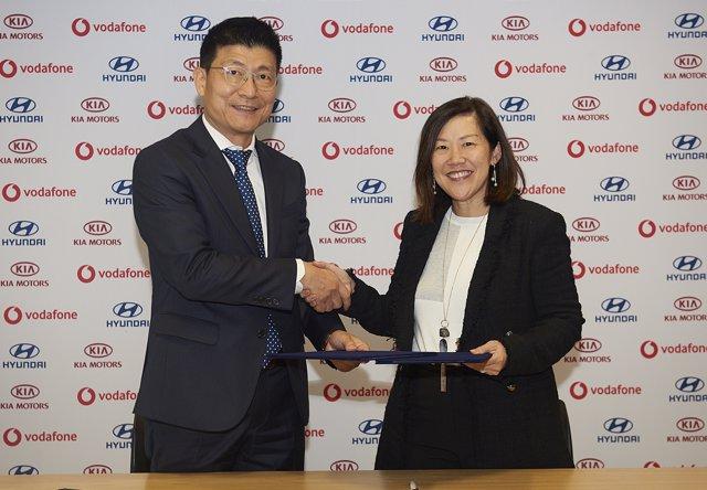 Acuerdo entre Hyundai, Kia y Vodafone