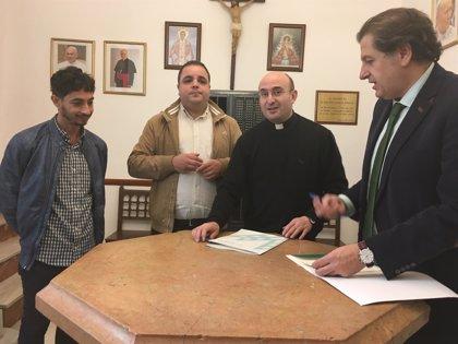 Firmado el convenio para restaurar dos pinturas de la parroquia de Santa Marta, en Martos (Jaén)