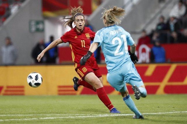 Alexia Putellas en un partido de la selección española femenina de fútbol