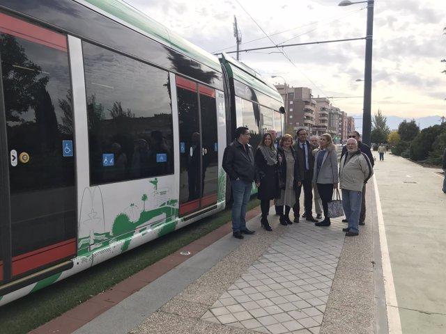 Visita del grupo municipal del PP al metro en el Zaidín