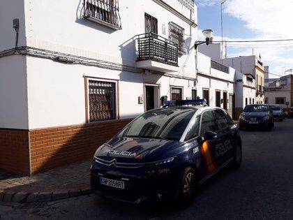 La Policía reconstruye el crimen de Alcalá con el detenido y lo encuadra en una discusión familiar