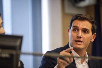 Rivera quita hierro a su ausencia en la reunión constitucionalista del PP y señala que el problema es el 'sanchismo'