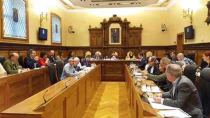 El Pleno aprueba 115.000 euros para hacer frente a ayudas al alquiler pendientes y 500.000 para el matadero