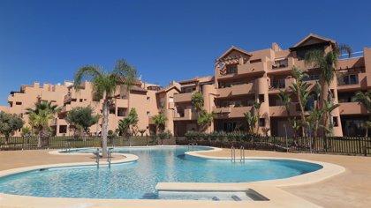 La compraventa de viviendas por parte de extranjeros en Canarias cae un 10,6% en el primer semestre, según los notarios