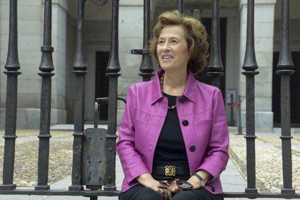 """Julia Navarro ve la España actual """"en colores"""": """"Tenemos problemas, pero no se puede hacer un paralelismo con el pasado"""""""