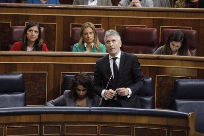 """El PP insta a Marlaska a irse si no defiende España y el ministro replica que no hay un """"Estado de derechas"""""""