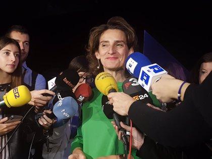 Teresa Ribera defiende la importancia del sector del automóvil y pide trabajar en su evolución