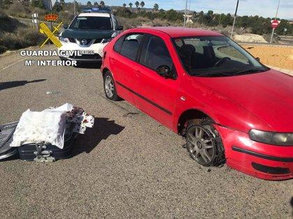 Cuatro detenidos con 12 kilos de marihuana que intentaron atropellar a tres agentes en Almería