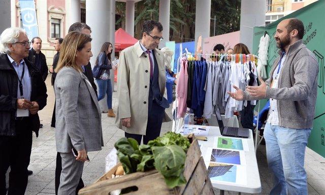 El alcalde José Ballesta, en la III Feria de Proyectos Empresariales