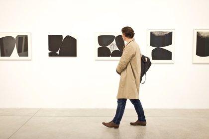 """Una exposición en Bombas Gens visibiliza """"el arte de las abstracción"""" de Anna-Eva Bergman"""