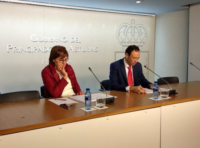 Los consejeros Pilar Varela y Guillermo Martínez en rueda de prensa