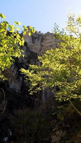 Nacimiento río Mundo, chorros, naturaleza, montaña