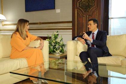 El PSOE saluda que Díaz doble en apoyos al resto de competidores y subraya el hundimiento del PP