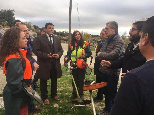 Sánchez Cabrero con los forestales en Muñopepe 14-11-2018