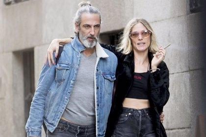 Ernesto Alterio se come a besos con Ella Jazz tras su divorcio con Juana Acosta