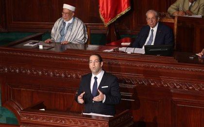 Juran sus cargos ante Essebsi los nuevos miembros del Gobierno de Túnez tras la remodelación de Chahed