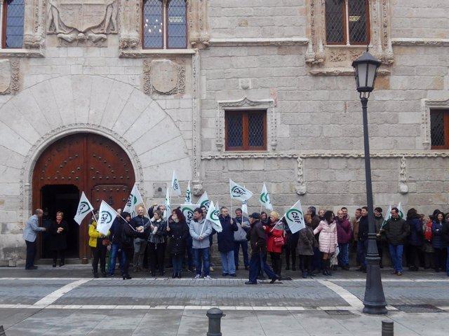 Concentración a las puertas de la Audiencia provincial de Zamora. 14-11-18