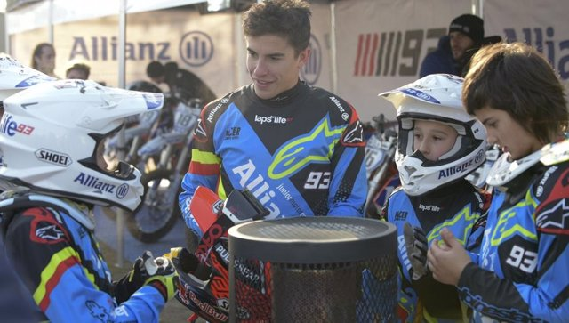 Marc Márquez en el 'Allianz Junior Motor Camp' en el circuito de Rufea
