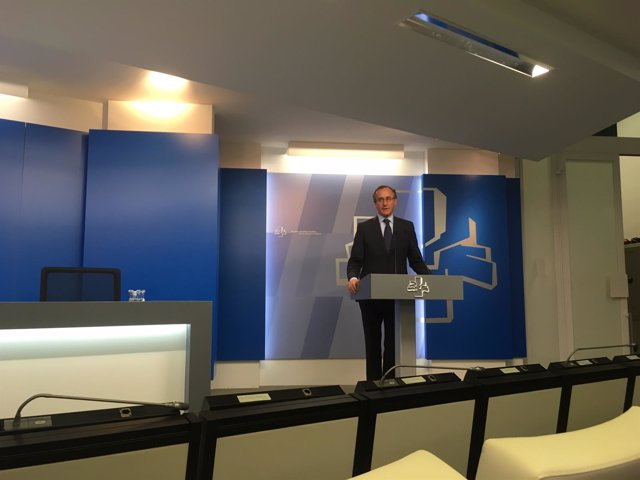 Declaraciones del presidente del PP vasco, Alfonso Alonso, en el parlamento