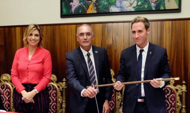 Jordi Masquef, nuevo alcalde de Figueres, con Marta Felip y Francesc Cruanyes