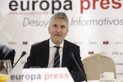 """Marlaska ve """"inadecuado"""" ubicar en la reforma de ley 'mordaza' devoluciones sumarias, que enmarca en ley de Extranjería"""