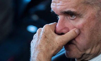 Chaves avança al començament de la seva compareixença al Senat que no respondrà preguntes que puguin perjudicar-lo (Pool)
