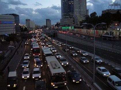 Alergólogos celebran la iniciativa del Gobierno de prohibir en 2040 la venta de coches diésel y gasolina