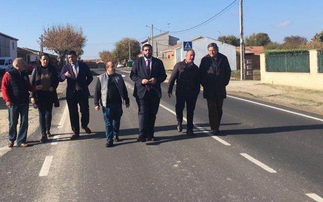 Diputación destina 100.000 euros a mejorar el acceso y la seguridad en la AV-P-147 en Palacios de Goda (Ávila)