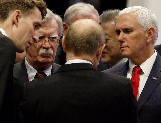 Pence Y Bolton Conversan Con Putin En Los Márgenes De La Reunión De ASEAN