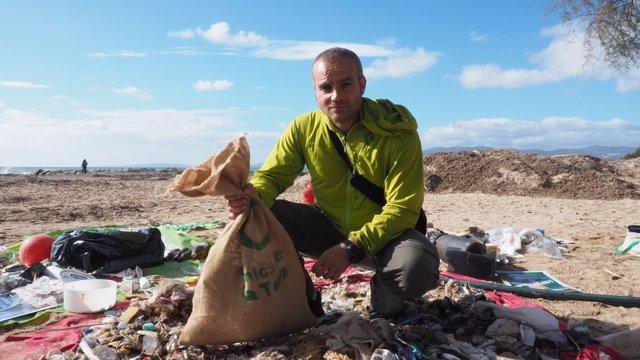 'Per una Mar Sense Plàstic' irá a Madrid para pedir el fin de los productos de plástico de un solo uso más abandonados