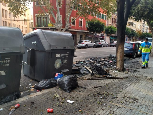Arden otros cuatro contenedores esta madrugada en Palma